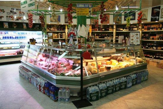 Atvērs mazos veikaliņus; būs atļauta ielu tirdzniecība/Papildināts ar MK sniegto informāciju/