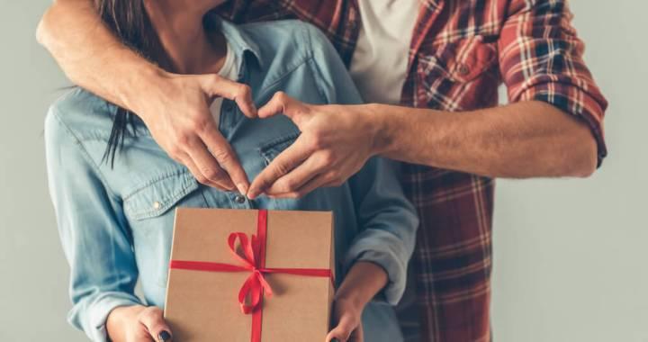 Ko dāvināt sievietei dzimšanas dienā?
