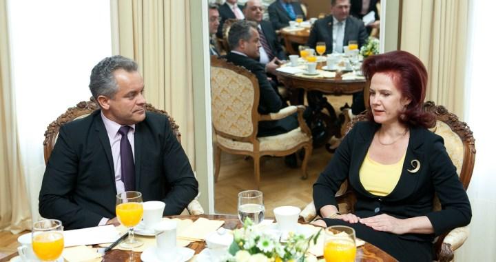 Latvija atbalsta Moldovu ceļā uz integrāciju ES /video/