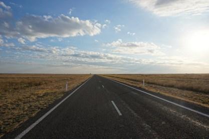 carretera-recta---nubesviajeras
