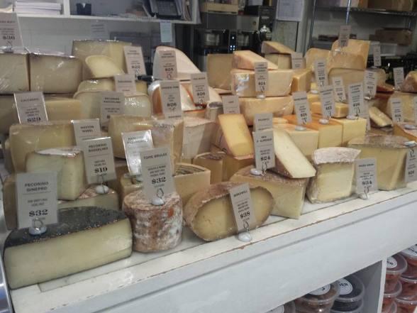 Comptoir de fromages locaux