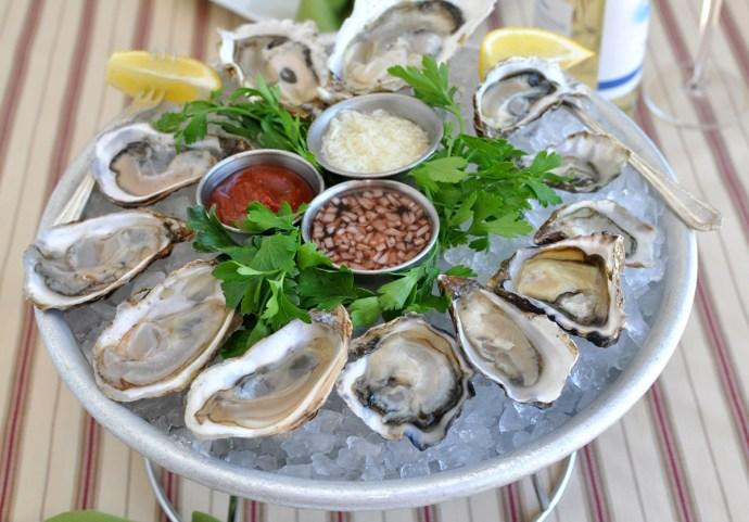 Oysters Platter Fresh Raw