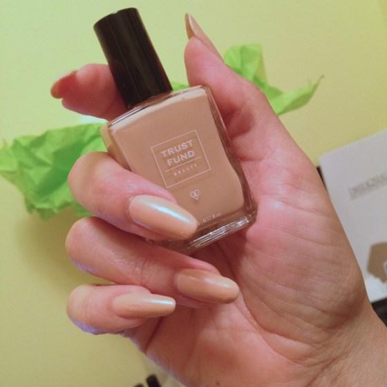 Nude Nuda Polish Trust Fund Beauty Montreal Blogger Girl Hands