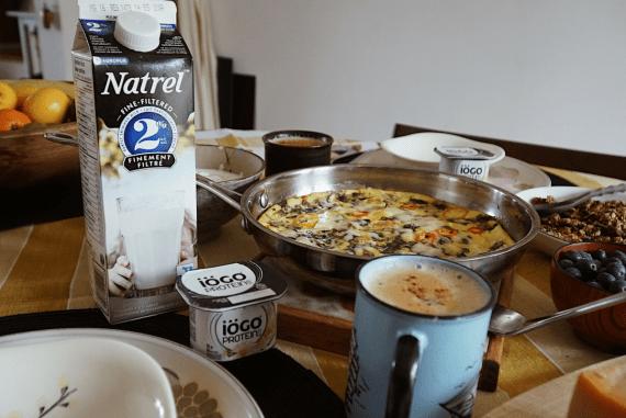 AGROPUR Natrel turmeric lattes frittata Lazy Sunday