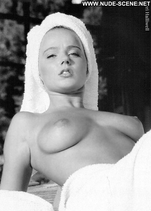 Geri Halliwell Posing Hot Posing Hot Celebrity Hot Hairy Pussy Nude