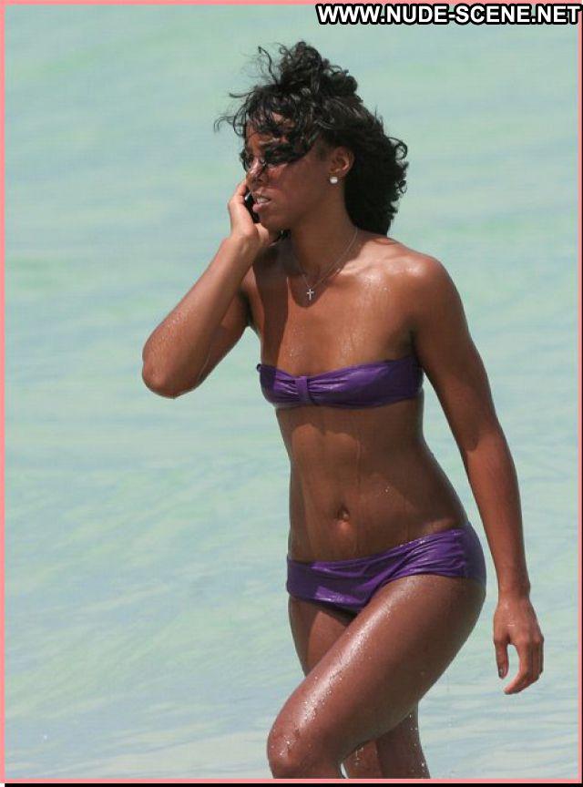 Kelly Rowland Celebrity Singer Posing Hot Posing Hot Babe Bikini