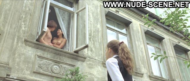 Valeria Umanets Close Enemy Balcony Big Tits Showing Tits