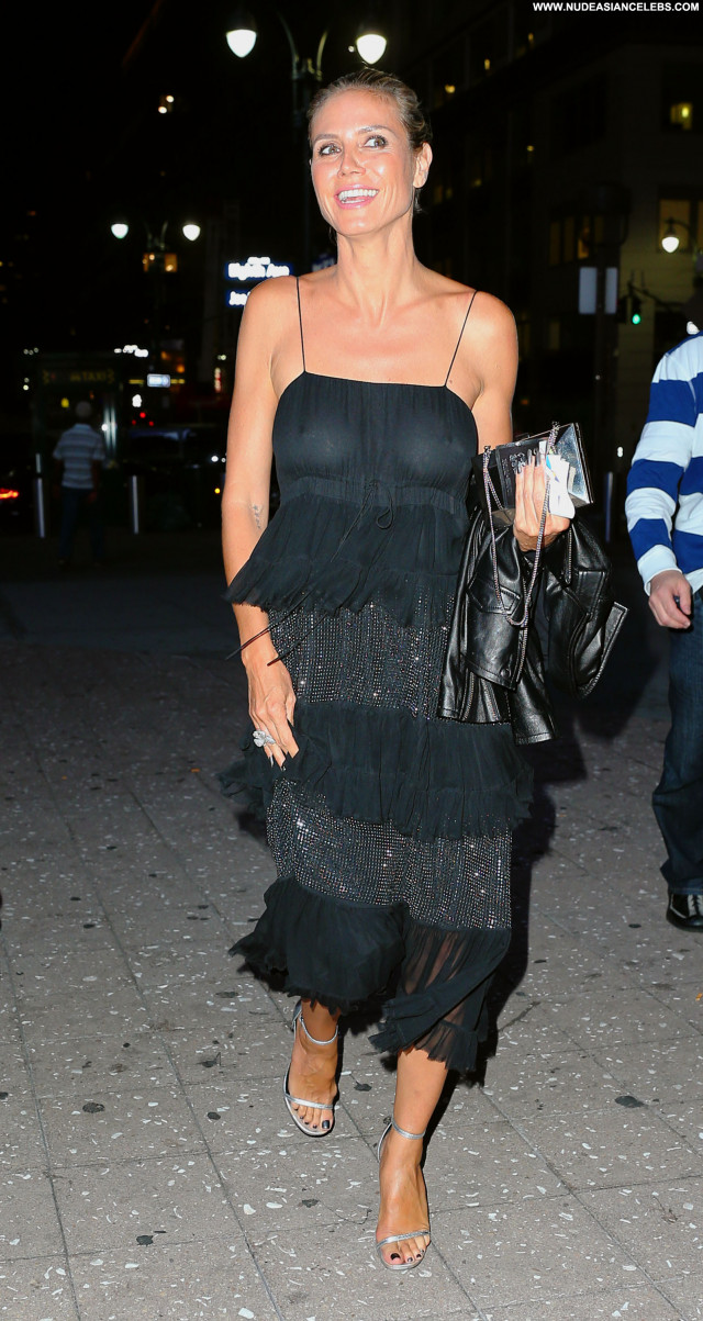 Heidi Klum Babe Model Concert Actress Celebrity See Through Posing