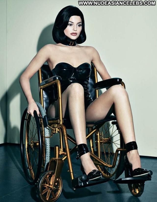 Kylie Jenner W Magazine Reality Beautiful American Posing Hot Model