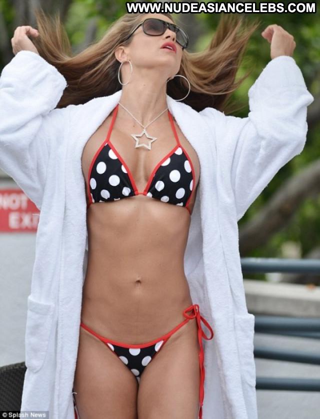 Jennifer Nicole Lee Paparazzi Beautiful Posing Hot Celebrity Bikini