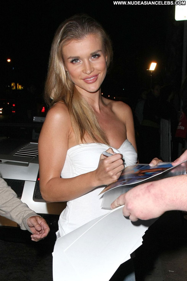 Joanna Krupa Celebrity Beautiful Nails Paparazzi Pain Posing Hot Babe