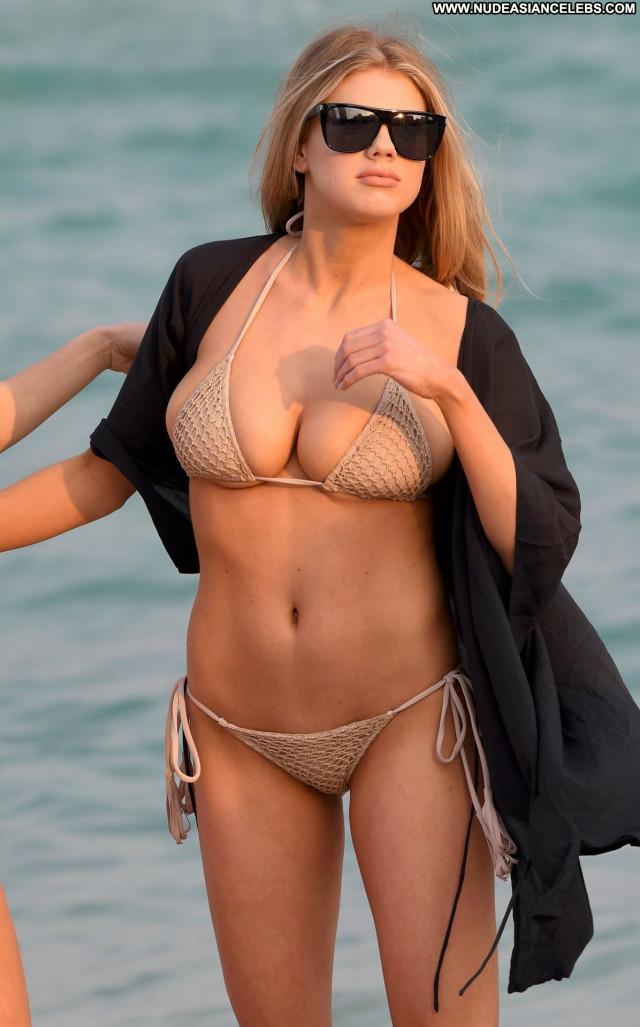 Charlotte Mckinney No Source Hot Celebrity Nude Candids Posing Hot