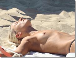 nude-beach-girls