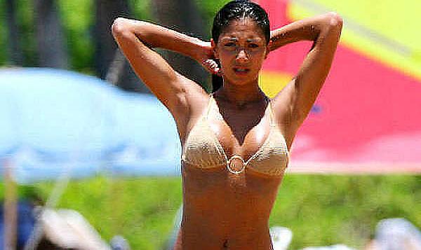 nicole scherzinger nipple pokies in tight bikini