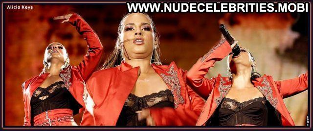 Alicia Keys Posing Hot Ebony Celebrity Babe Singer Celebrity Nude