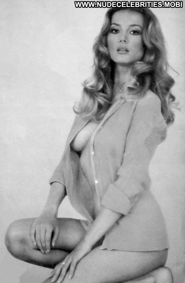 Barbara Bouchet Showing Pussy Blonde Horny Nude Scene Doll