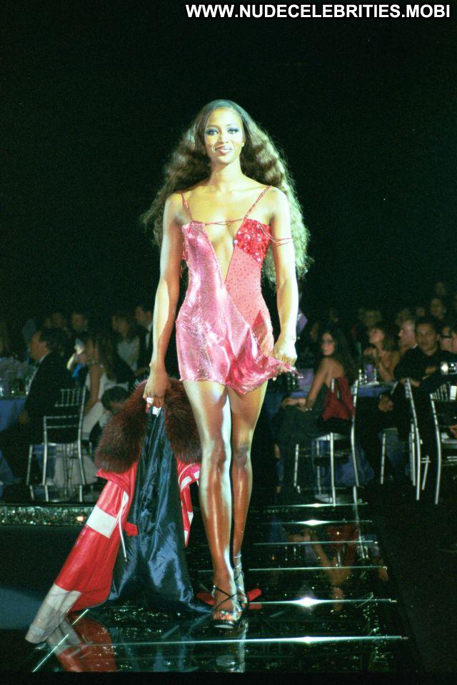 Naomi Campbell Celebrity Hot Celebrity Babe Nude Posing Hot Ebony