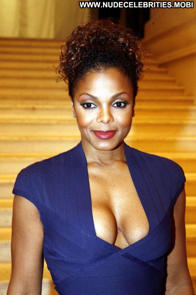 Janet Jackson Posing Hot Singer Posing Hot Celebrity Cute Sexy Babe