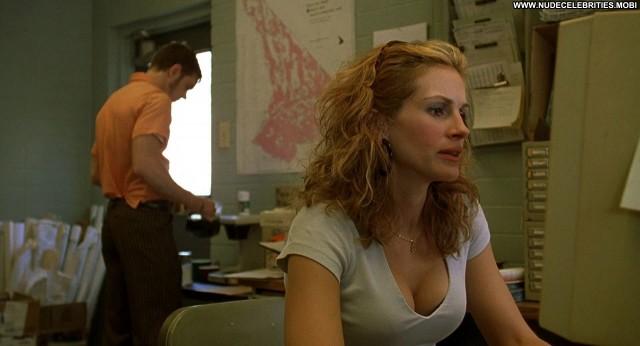 Julia Roberts Erin Brockovich Breasts Celebrity