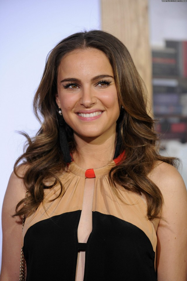 Natalie Portman No Strings Attached Babe Posing Hot High Resolution