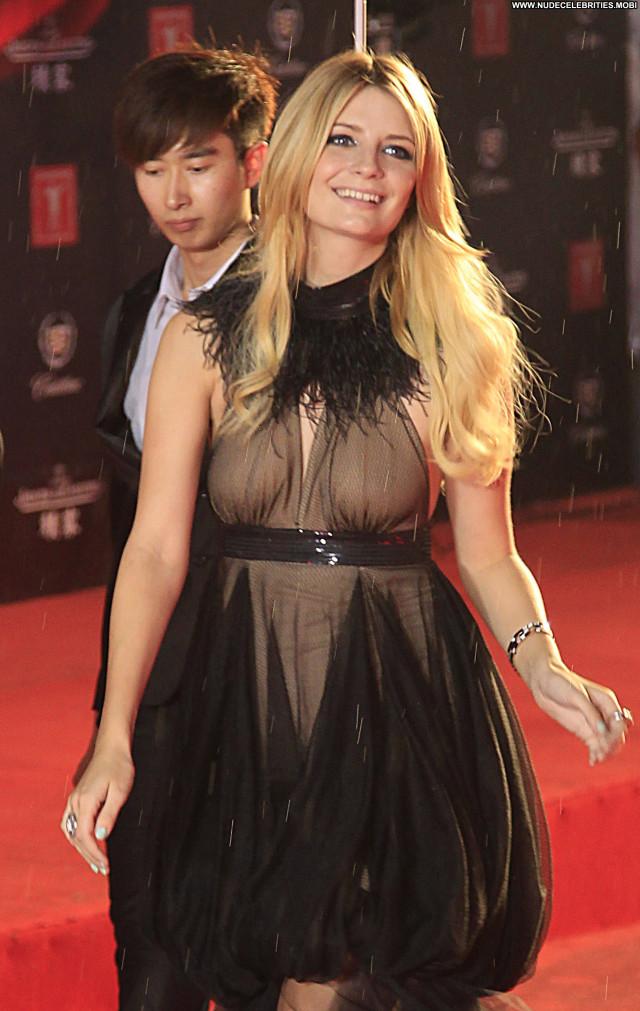 Mischa Barton Babe Beautiful International Posing Hot Celebrity High