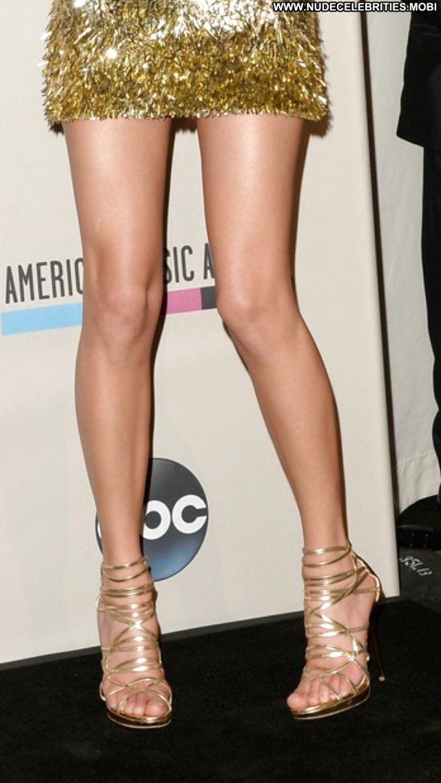Taylor Swift Pictures Fantasy Feet Legs Blonde Babe Sexy