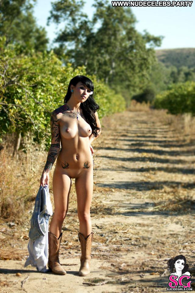 Carrina Vargas Life Nude Babe Celebrity Beautiful Glamour Posing Hot