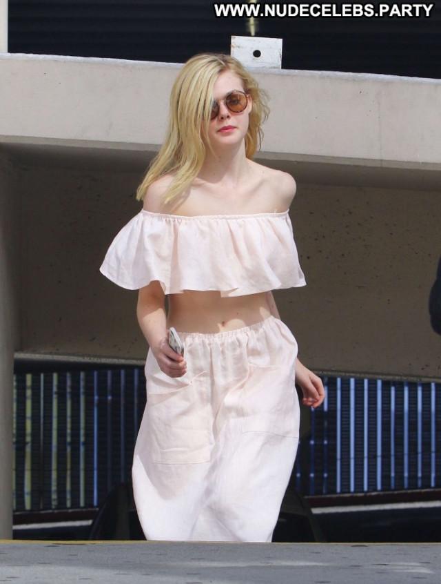 Elle Fanning Hollywood Babe Paparazzi Beautiful Celebrity Posing Hot