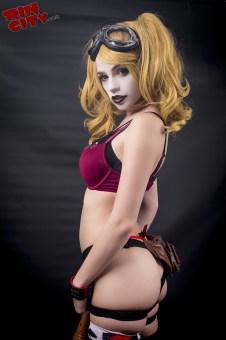 Harley-Quinn-Nude-Rin-City-Cosplay-22-e2wvVnr