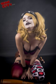 Harley-Quinn-Nude-Rin-City-Cosplay-30-yHogIKk
