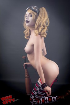 Harley-Quinn-Nude-Rin-City-Cosplay-33-CiiT8hr
