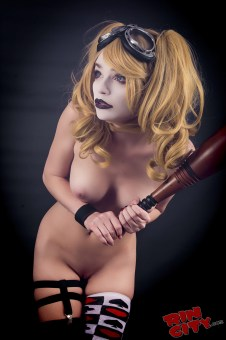 Harley-Quinn-Nude-Rin-City-Cosplay-43-dCoxsXV