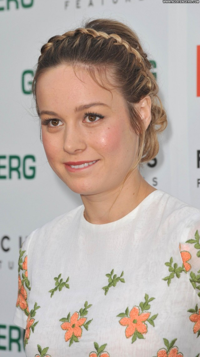 Brie Larson I Miscellaneous Posing Hot Medium Tits Stunning Blonde