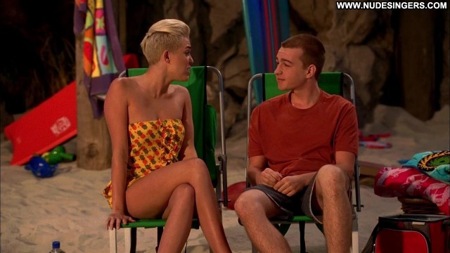 Miley Cyrus Two And A Half Men Skinny Sexy Small Tits Singer Sensual