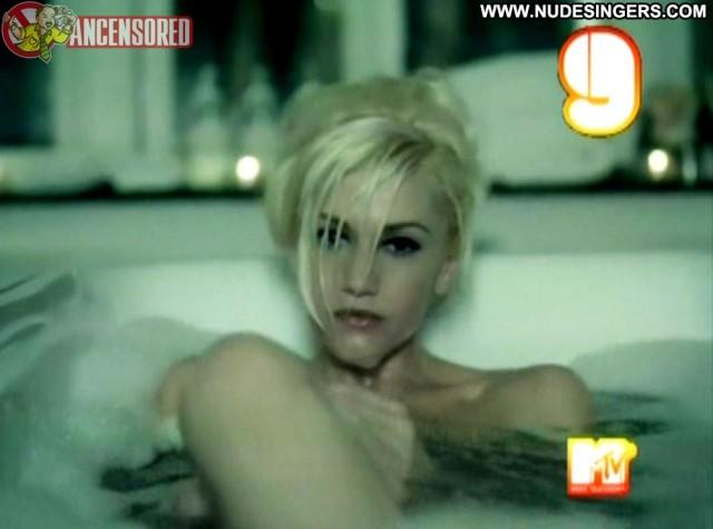Gwen Stefani In The Morning Celebrity Doll Singer Posing Hot Small