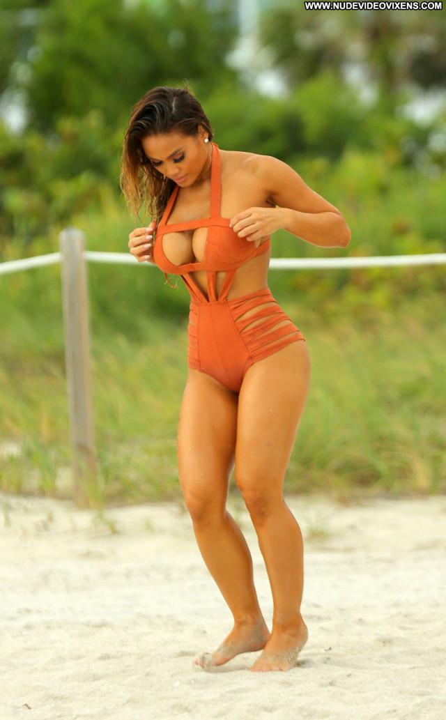Daphne Joy Swimsuit Babe Pool Celebrity Beautiful Posing Hot Beach