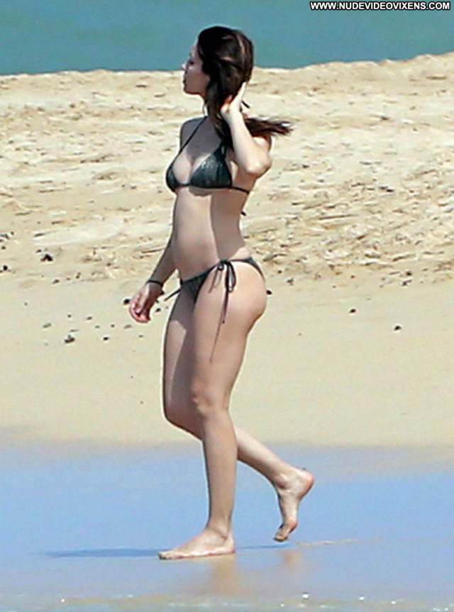 Jessica Biel The Beach Celebrity Candids Bikini Posing Hot Beach