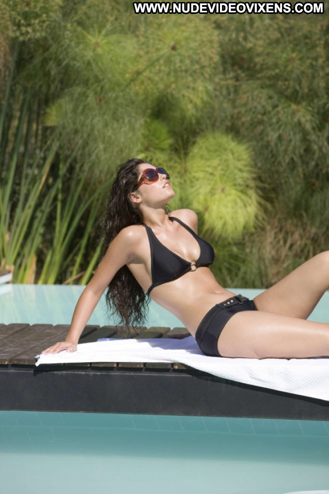 Yolanthe Cabau Photoshoot Posing Hot Babe Beautiful Celebrity