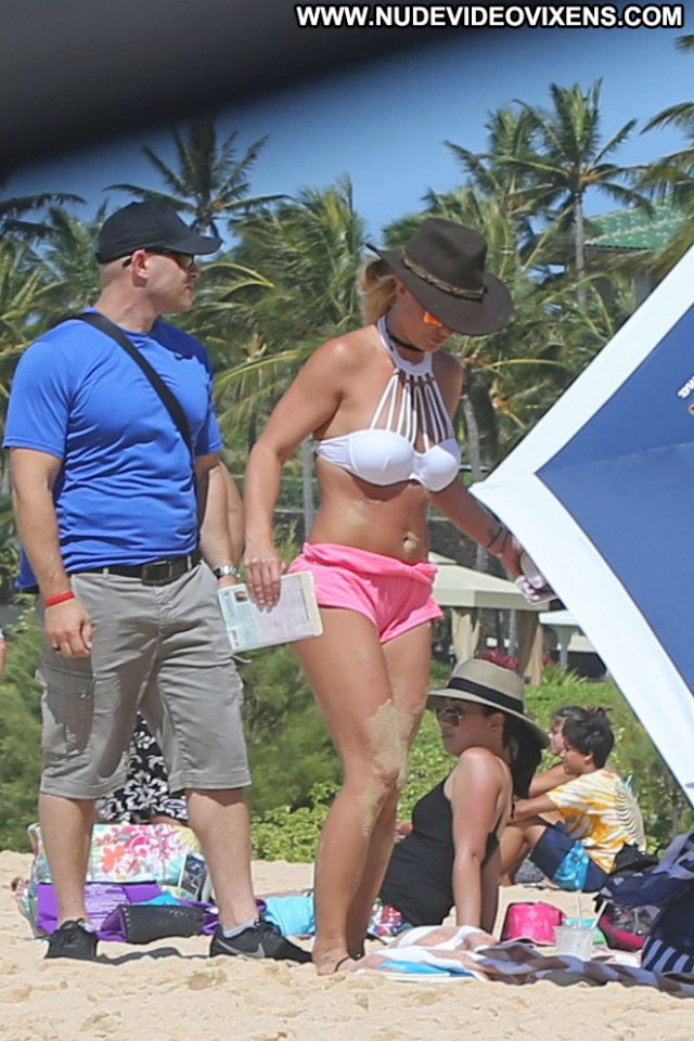 Britney Spears The Beach Beautiful Bikini Babe Posing Hot Hawaii