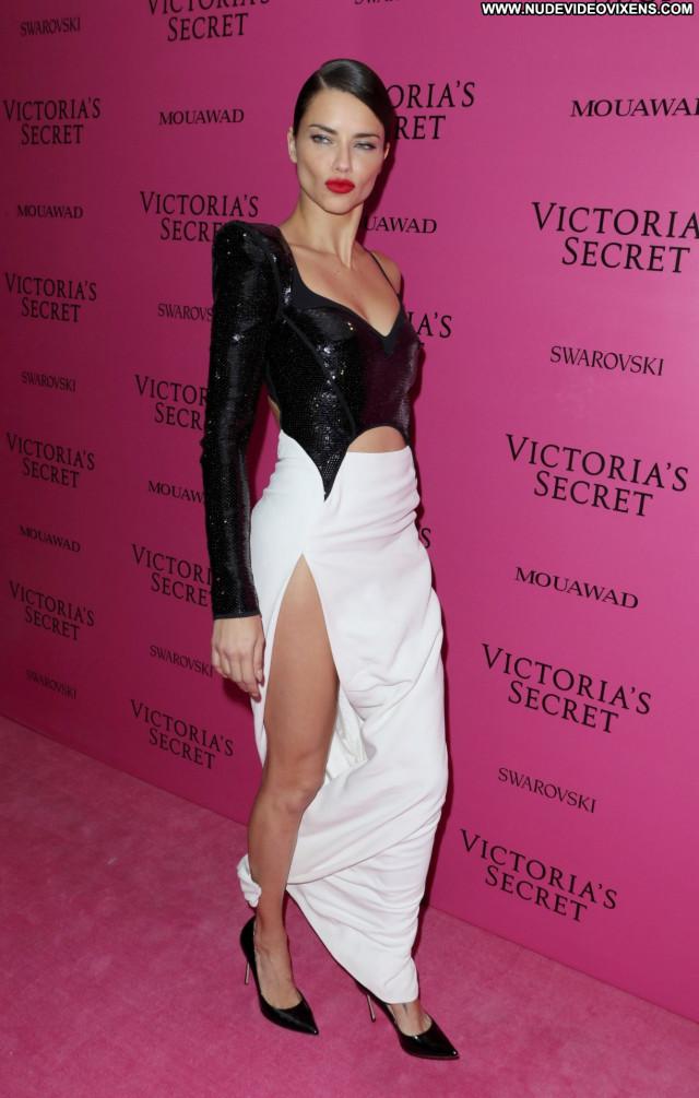 Candice Swanepoel Fashion Show Beautiful Photoshoot Fashion Pussy