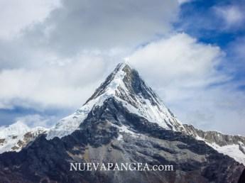 Nevado Alpamayo, Parque Nacional Huascarán, Perú