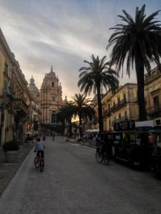 Por las calles de Ragusa, Sicilia