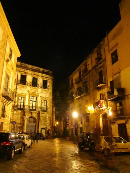 Palermo tiene ese aire decadente, original. Cosa no tan común de encontrar en Europa hoy día...