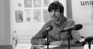 Eduardo Maura, portavoz de Cultura de Unimos Podemos, habló ayer sobre La transición democrática: ¿amenaza u oportunidad?, en el marco de los foros de Nueva Revista.