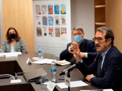 Alicia Coronil, Jordi Sevilla y Emilio Ontiveros. © Josema Visiers
