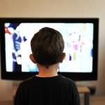 Por qué no poner la tele a tus hijos
