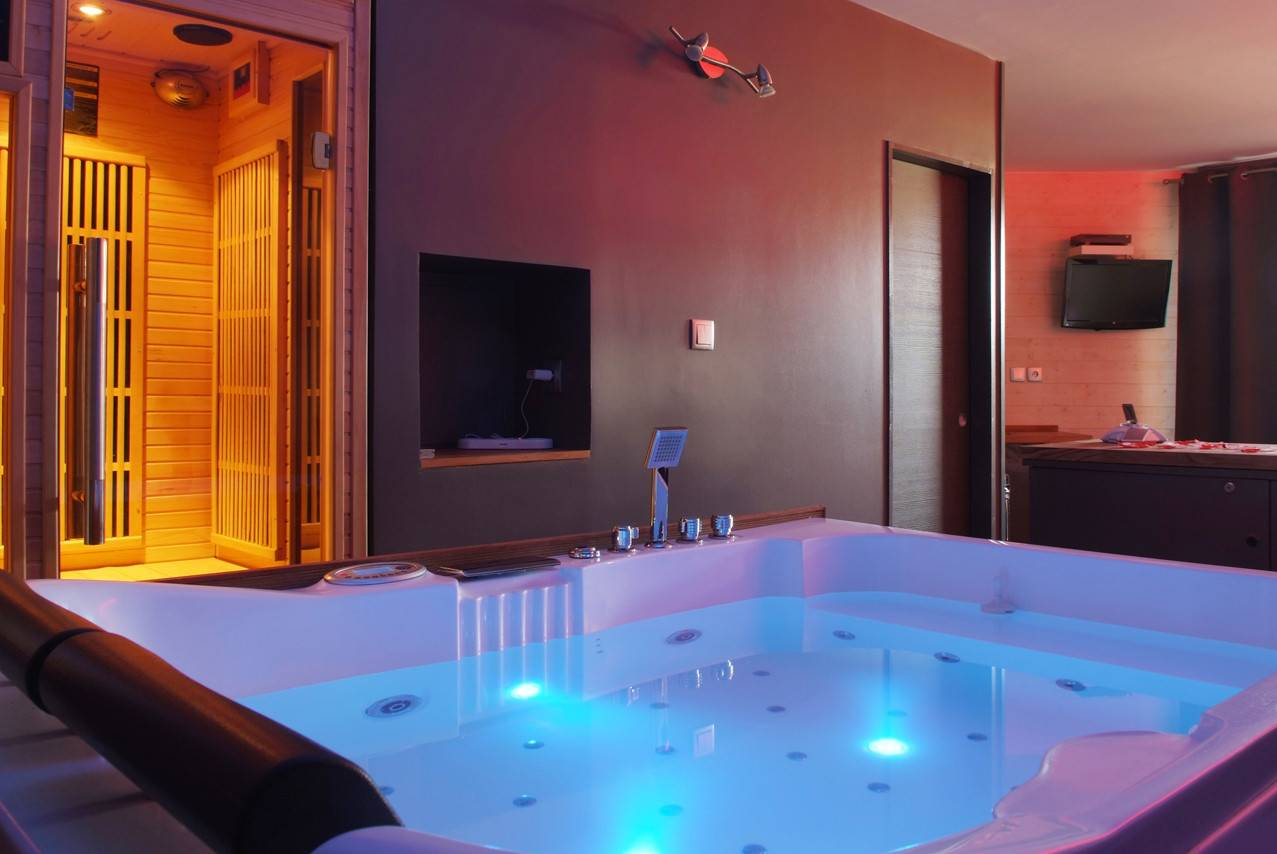 Rental Of Rooms With Spa And Private Jacuzzi In Lyon Night And Spa