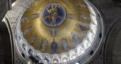 Завршен мозаик у Храму Светог Саве
