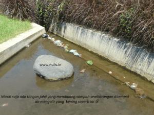 sampah dibalai kemambang