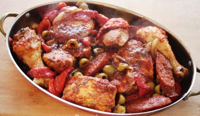 Heerlijk lekkere geroosterde kip op baskische wijze